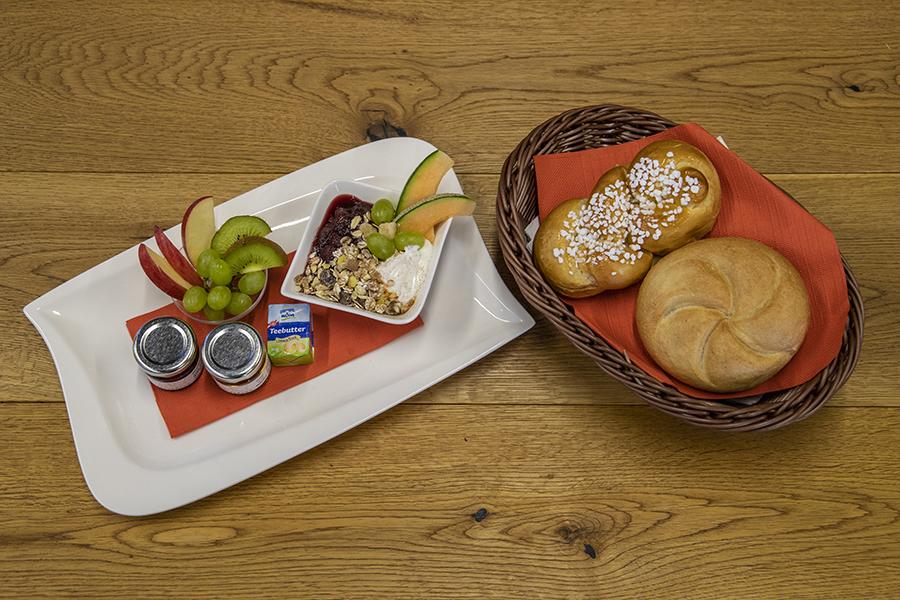 """Panoramawagenfahrt & süßes Frühstück """"Liebliches Schmalspurgleis"""""""