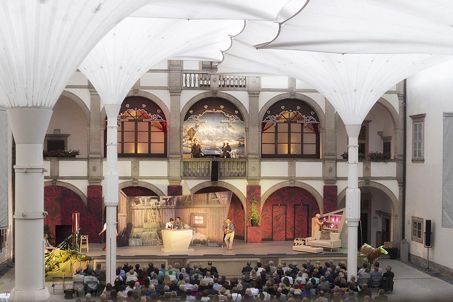 """Schloss Weitra Festival """"Die Fledermaus"""""""